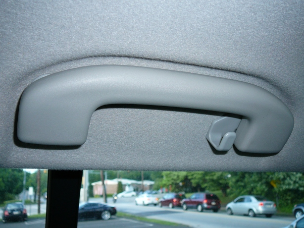The Xterra's grab bar sits just above the rear set of doors. I used these to mount the front support bar to.